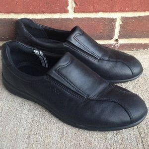Ecco Black Leather Slip-on Loafers Size 9